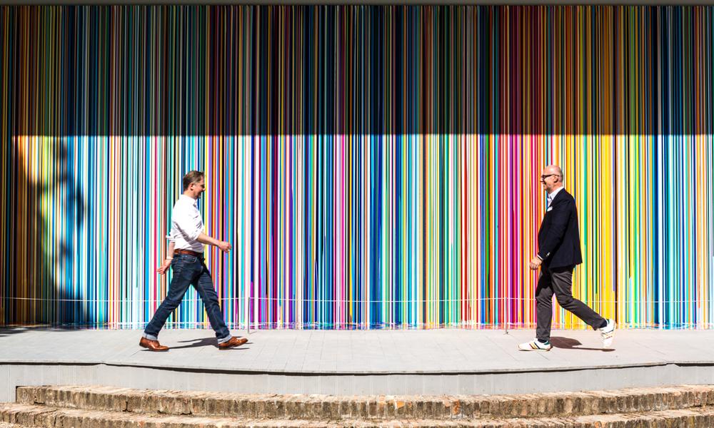 IAN DAVENPORT 为 SWATCH 2017 威尼斯双年展创作抽象画作