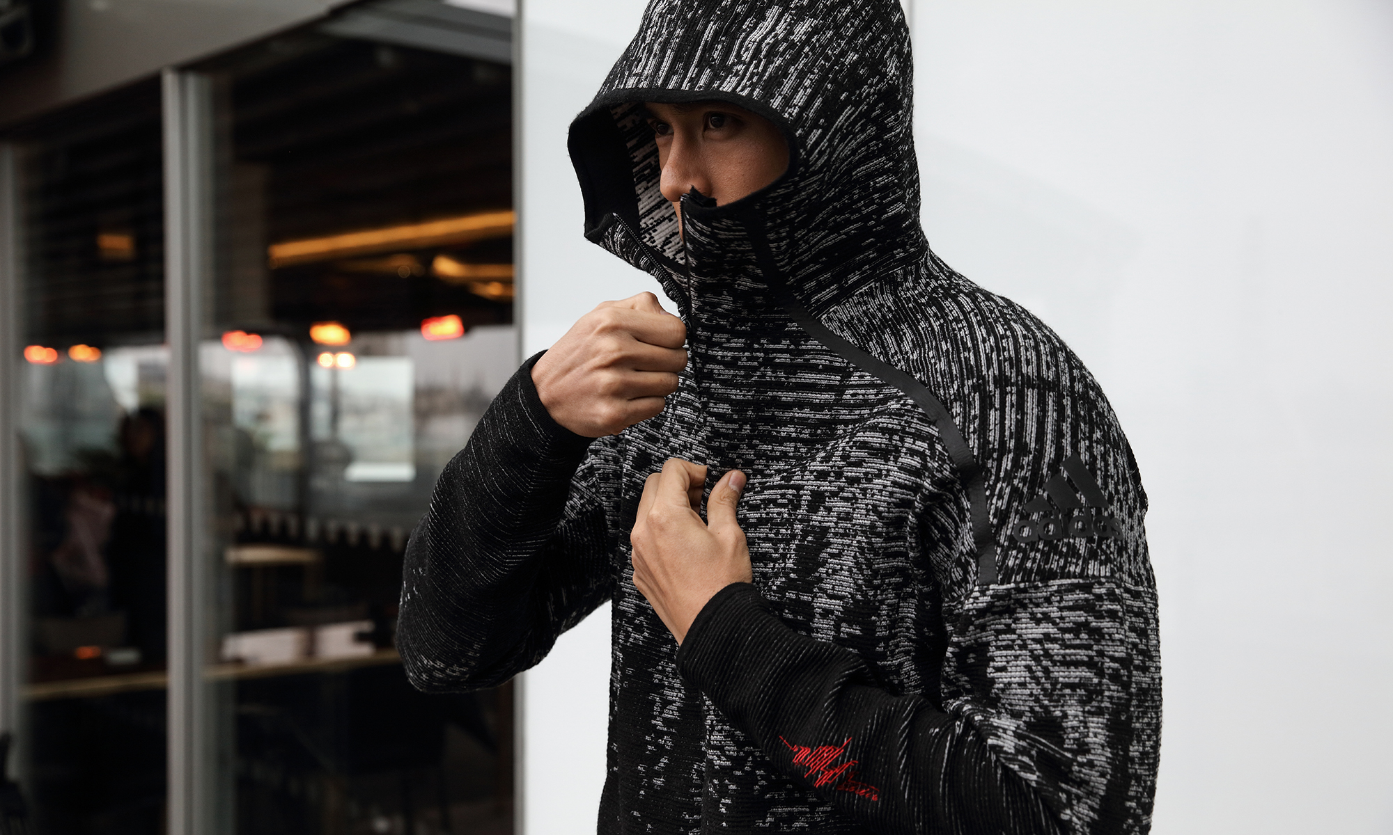 为了一件 adidas 衣服,彭于晏找到伦敦去了
