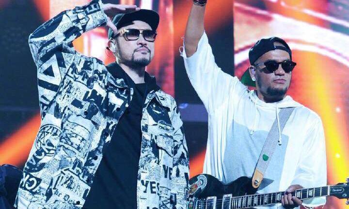 热狗在《中国有嘻哈》决赛里穿了什么?可能是临时决定的…