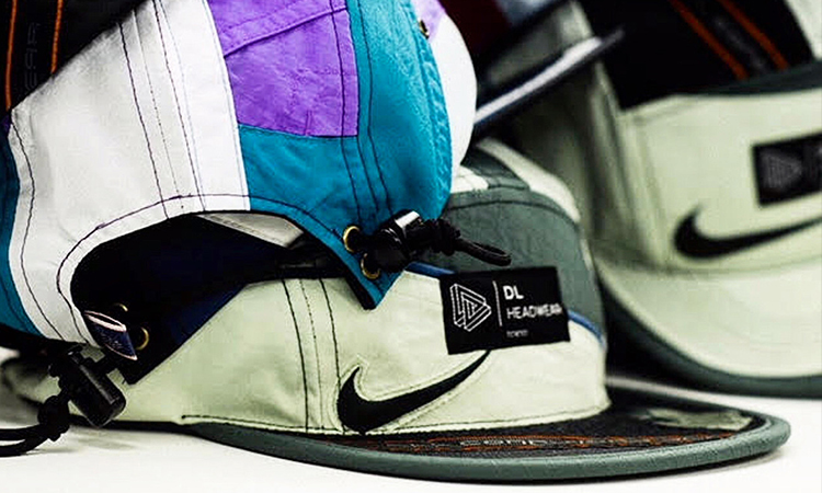 atmos 这组联名把古著 Nike 夹克做成了帽子