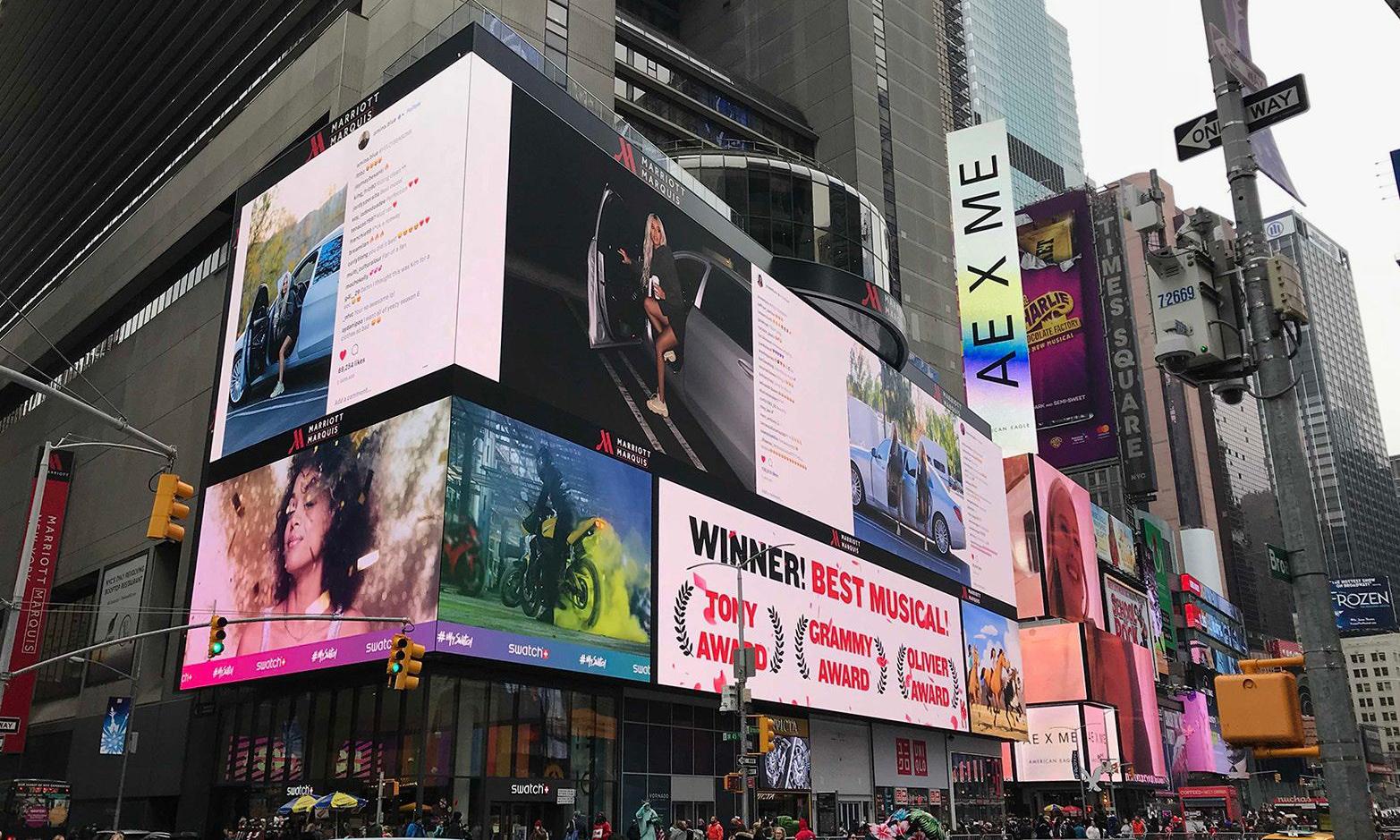 "YEEZY SEASON 6 ""狗仔""广告这次出现在了纽约时代广场"