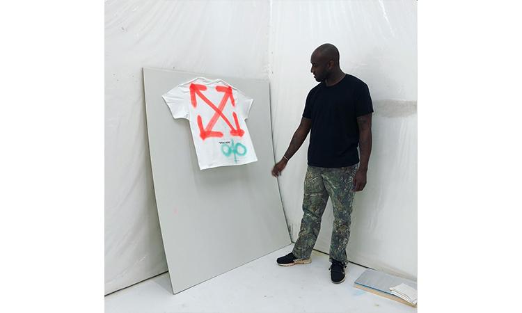 Virgil Abloh 为个展打造 Off-White™ x Champion 定制 T恤