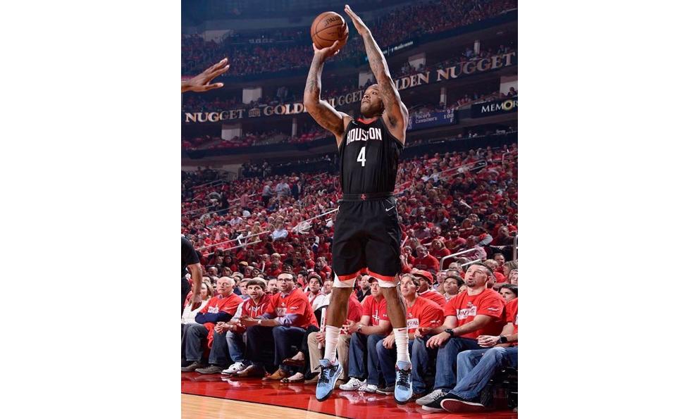 NBA 鞋王 P.J. Tucker 已经穿上 Travis Scott x Air Jordan IV 上场比赛了