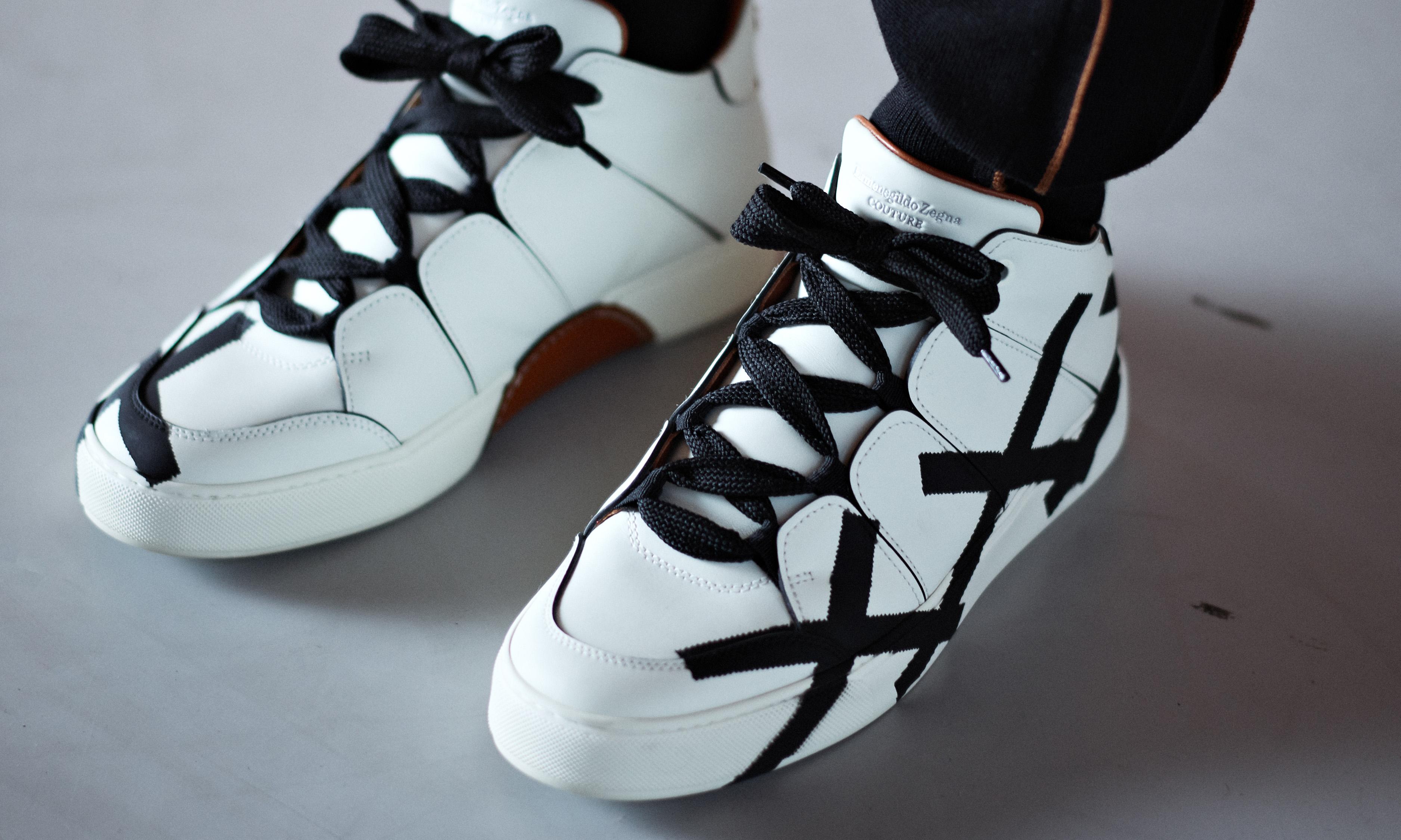 宁可撞鞋都不脱下的 Sneaker,竟然代表着高级定制?