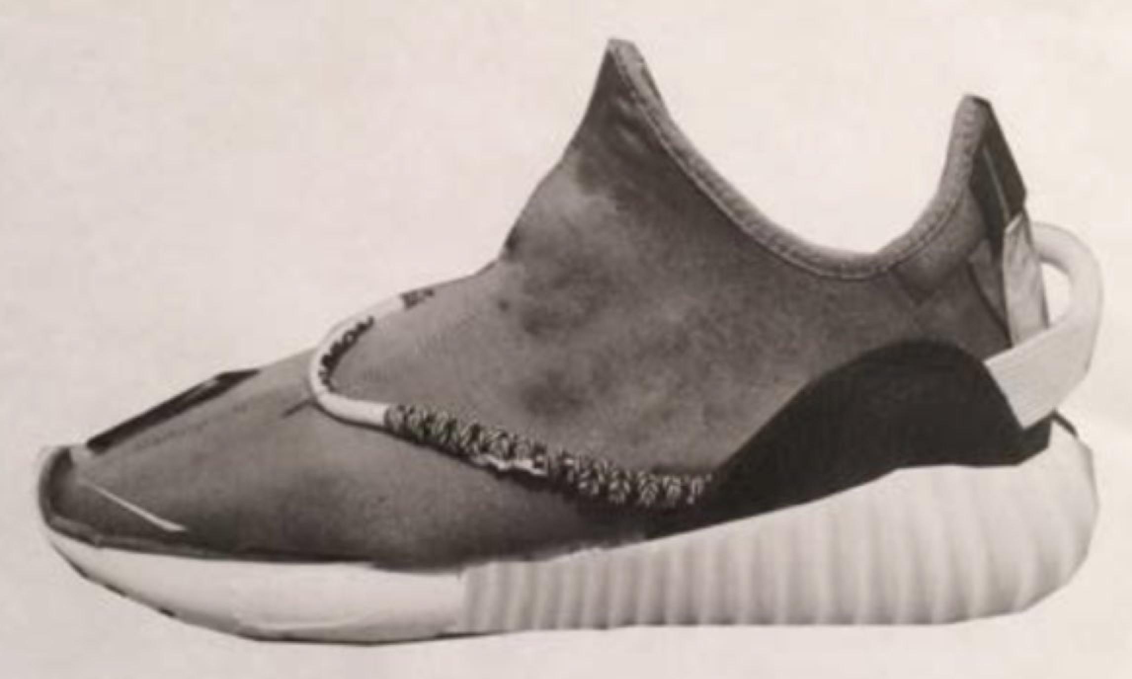 如果是这样你买么?Kanye West 分享 Yeezy 350 设计初稿