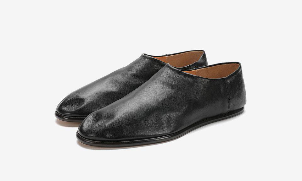 奢侈品鞋履的独一无二,Margiela 推出全新的黑色皮革鞋款