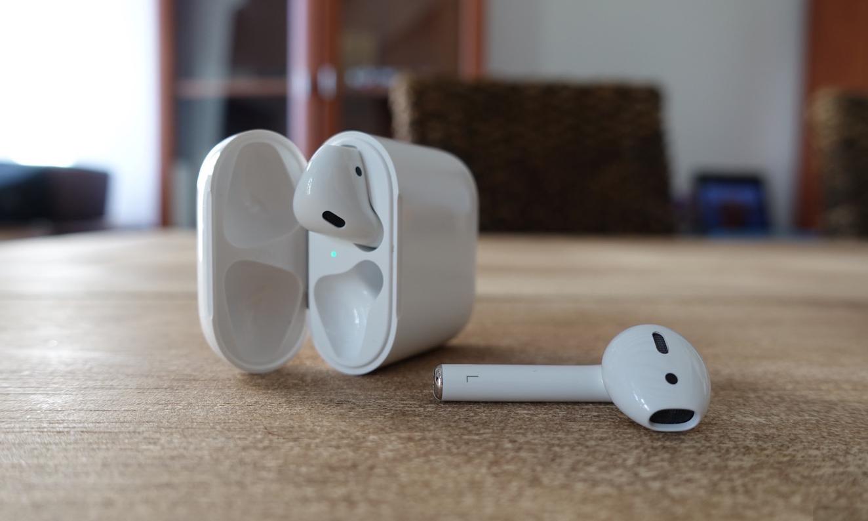 下一代 AirPods 收纳盒可能能用来给 iPhone 充电