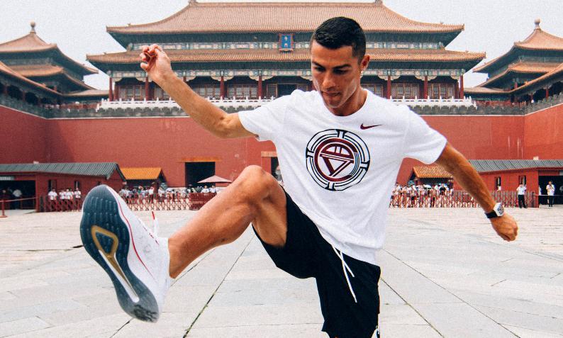 C 罗空降北京,激励中国足球少年敢于突破自我