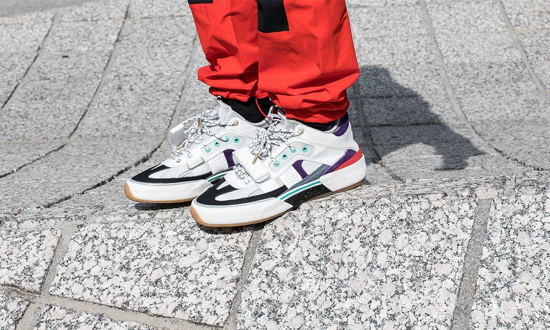 Kanye 好友 Ibn Jasper 的个人球鞋品牌,终于发布首两款产品