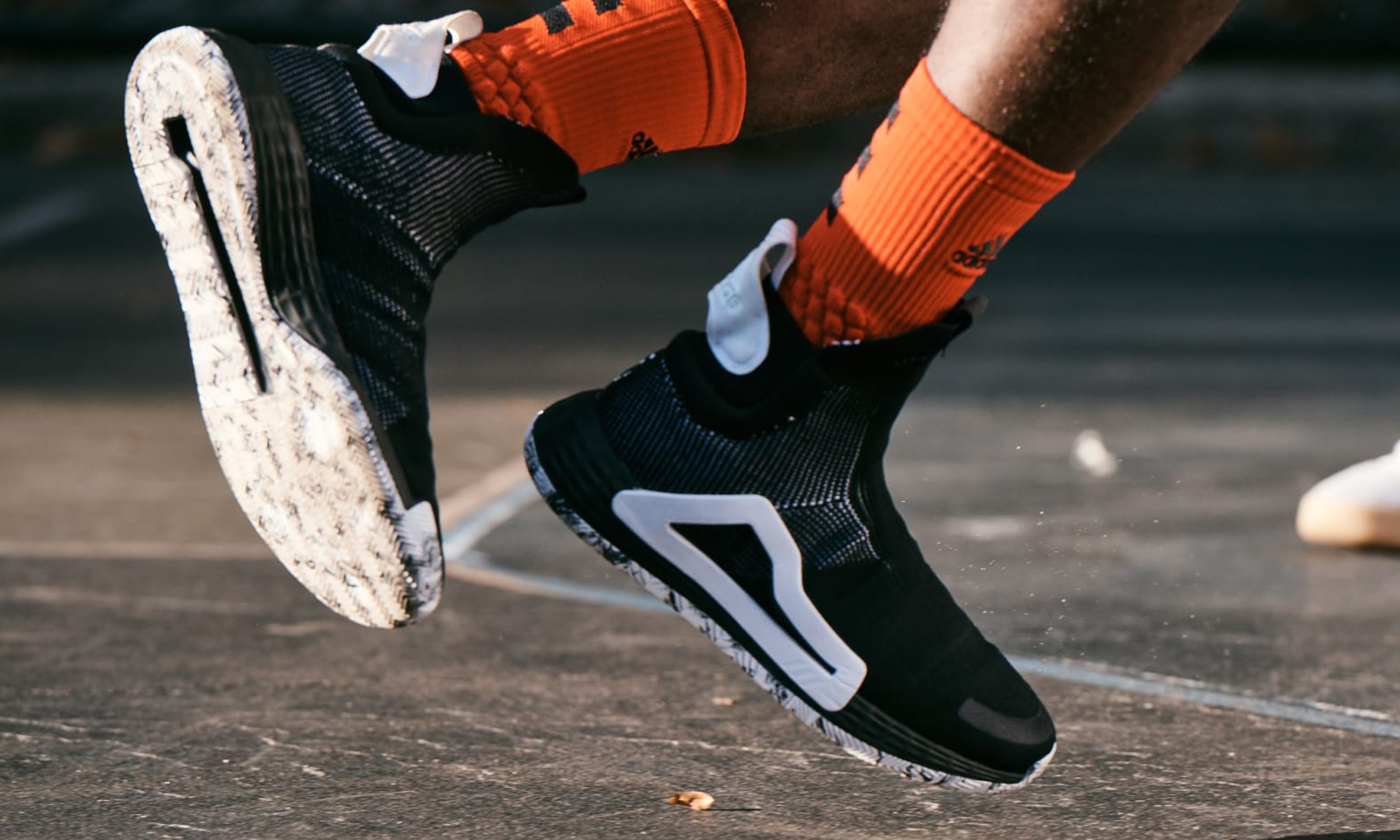 只卖 24 小时,adidas 发布三款全新篮球鞋