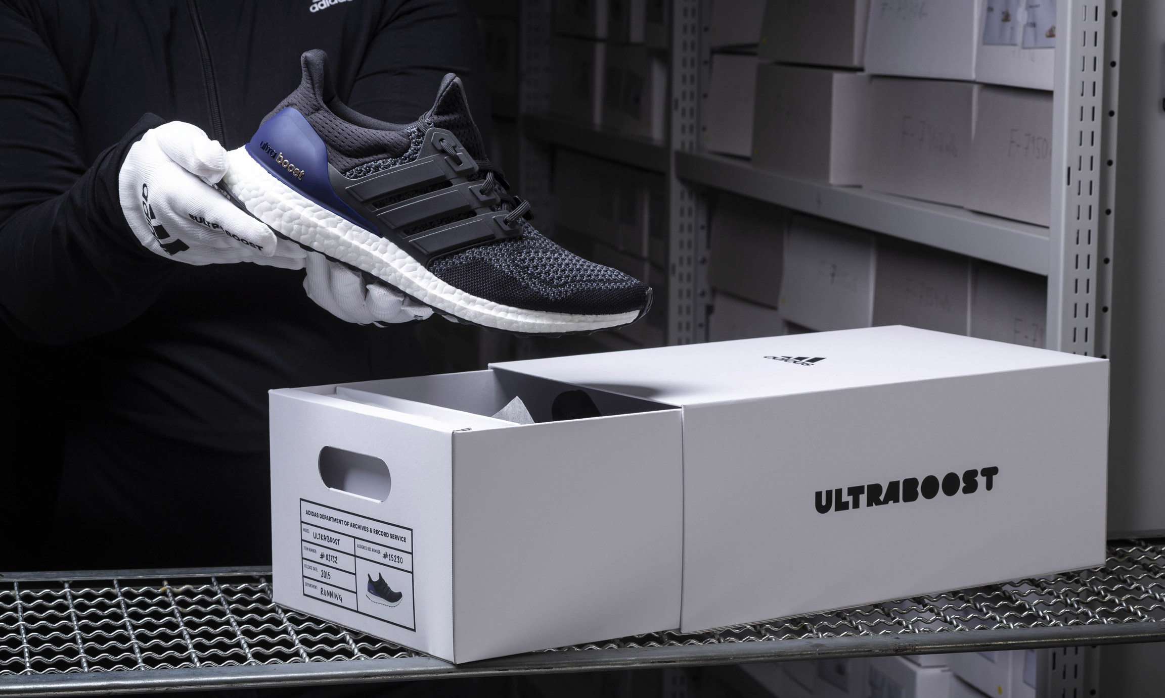 官方美图来啦!adidas 元年配色 UltraBOOST 即将登场