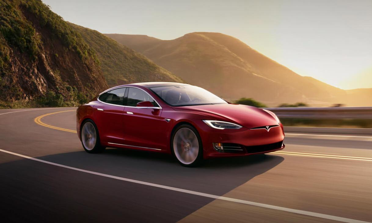 游戏模式开启,Elon Musk 预告全新车载系统升级