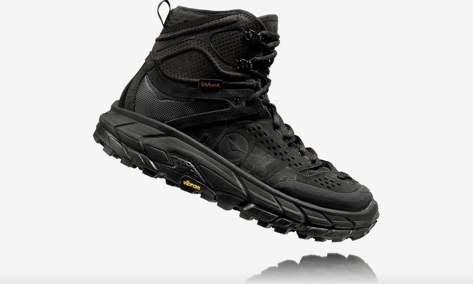 今年大热的 HOKA ONE ONE 推出高帮户外靴
