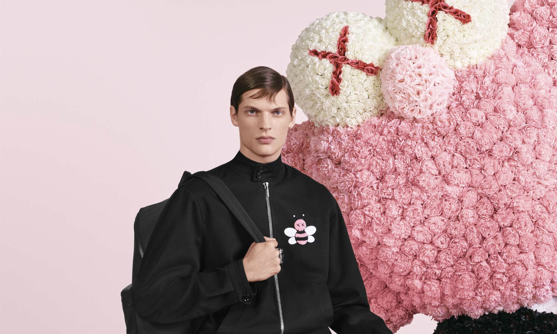 KAWS x Dior 2019 春夏系列更多单品现已发售