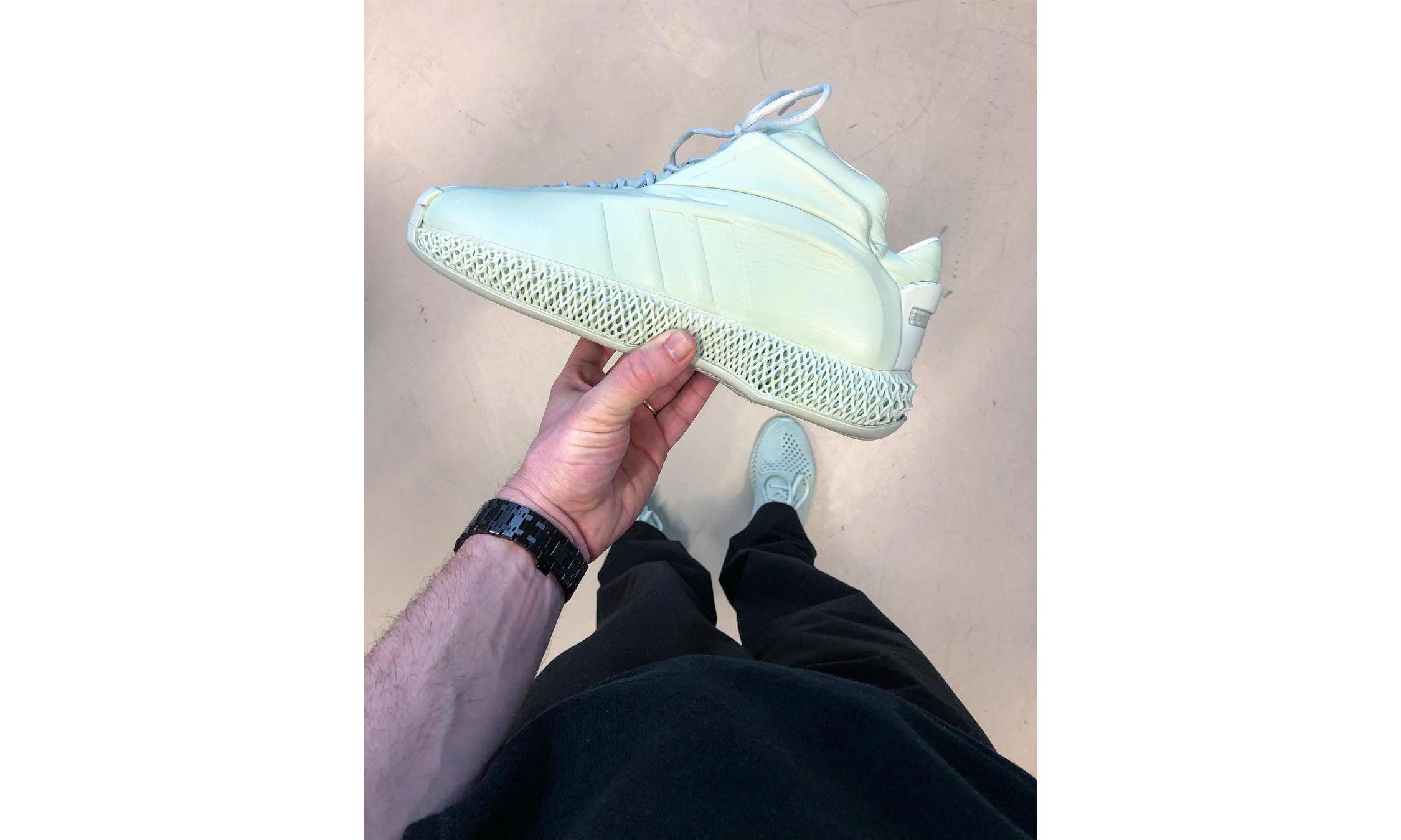Daniel Arsham 为 adidas Kobe Crazy 1 打造 4D 版本