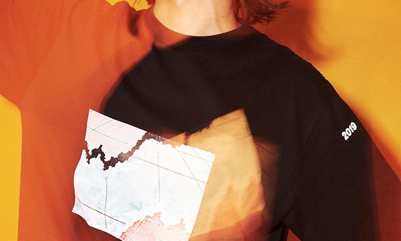 日本买手店 Graphpaper 携手 FUTUR 推出联名 T 恤