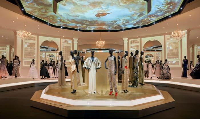 "凝聚 Dior 历史的盛会,""Christian Dior: Designer of Dreams"" 展览将于英国开幕"