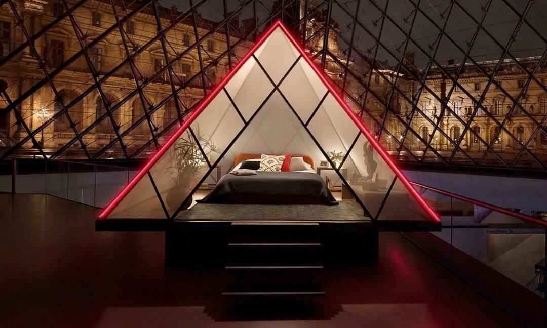 探秘卢浮宫,Airbnb 邀请你到玻璃金字塔住一晚