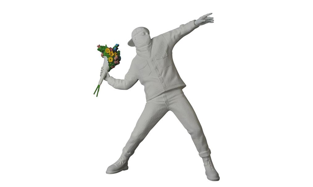 "MEDICOM TOY PLUS 独占限定 Banksy ""Flower Bomber"" 公仔 6 月上架"
