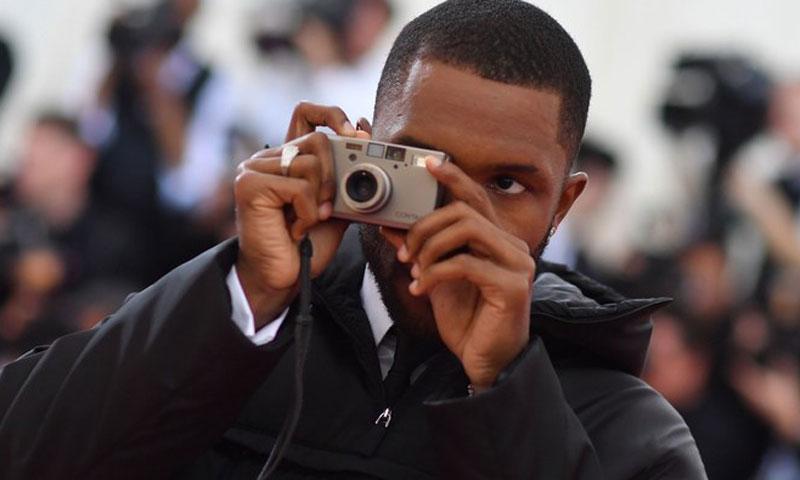来看看《VOGUE》摄影师 Frank Ocean 在 Met Gala 上都拍了些什么