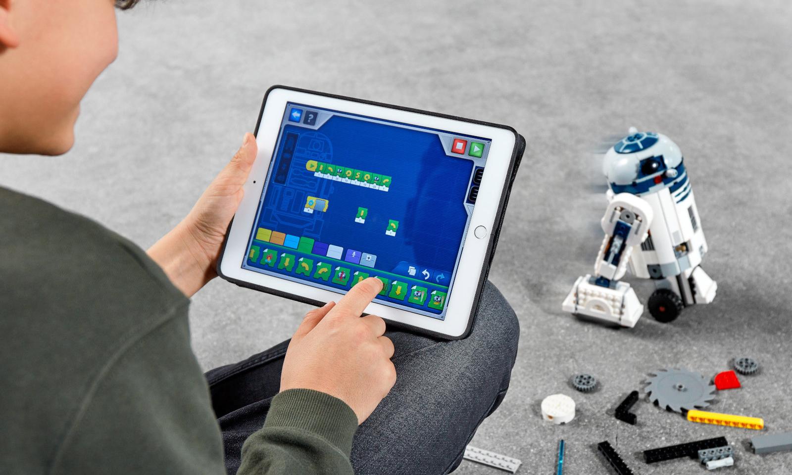 积木之间的互动,LEGO®  推出《星球大战》可编程遥控积木套装