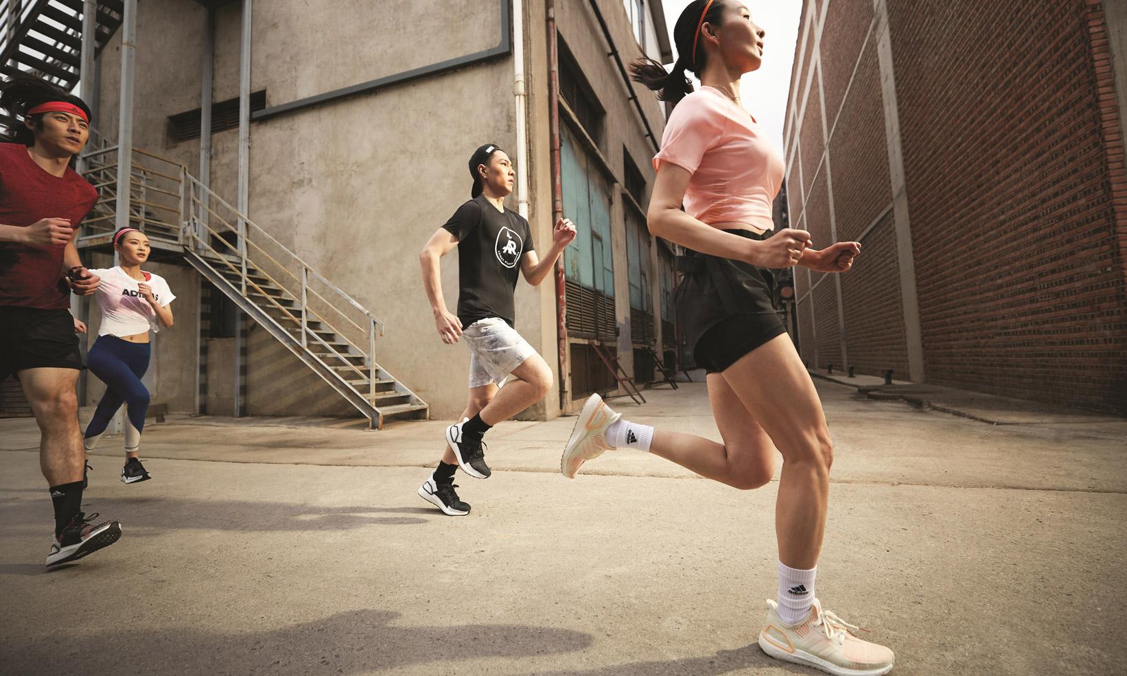 只管去迸发!adidas UltraBOOST 19 夏季新配色开售