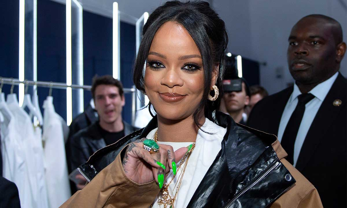 Rihanna 以 6 亿美元资产成为最富有的女歌手