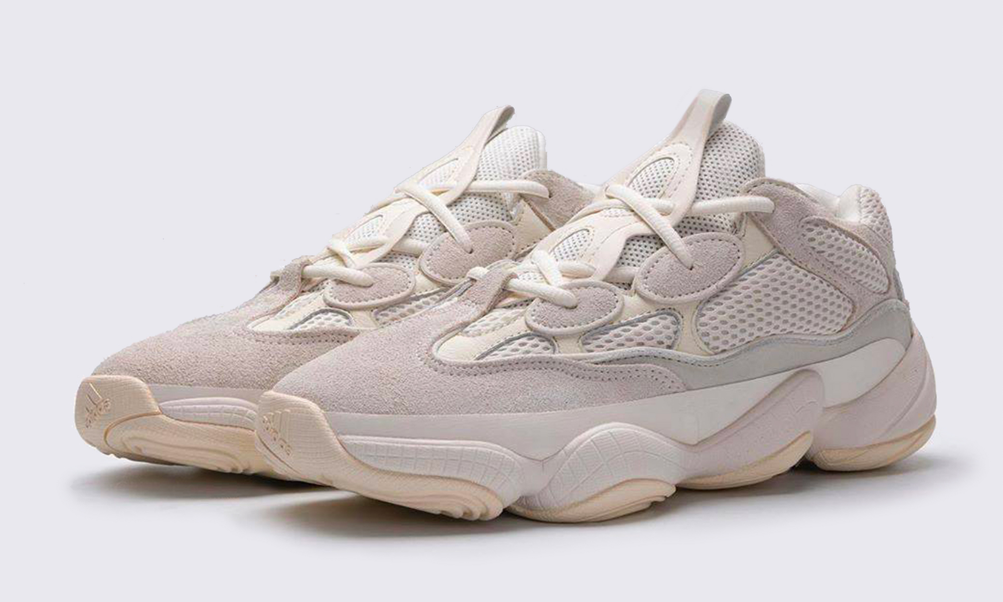 "近赏全新 Yeezy 500 ""Bone White"" 配色"
