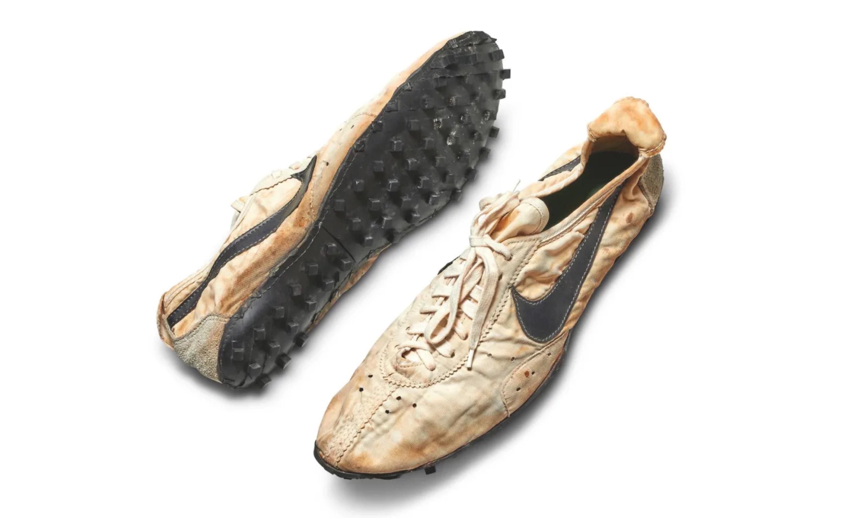 元年 Nike Moon Shoe 以 300 万元成交,创下史上最贵球鞋纪录