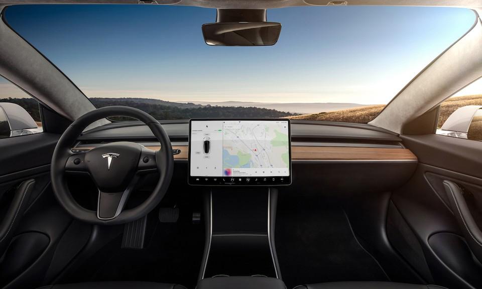 Elon Musk 宣布 Netflix 和 YouTube 即将进驻 Tesla 娱乐系统