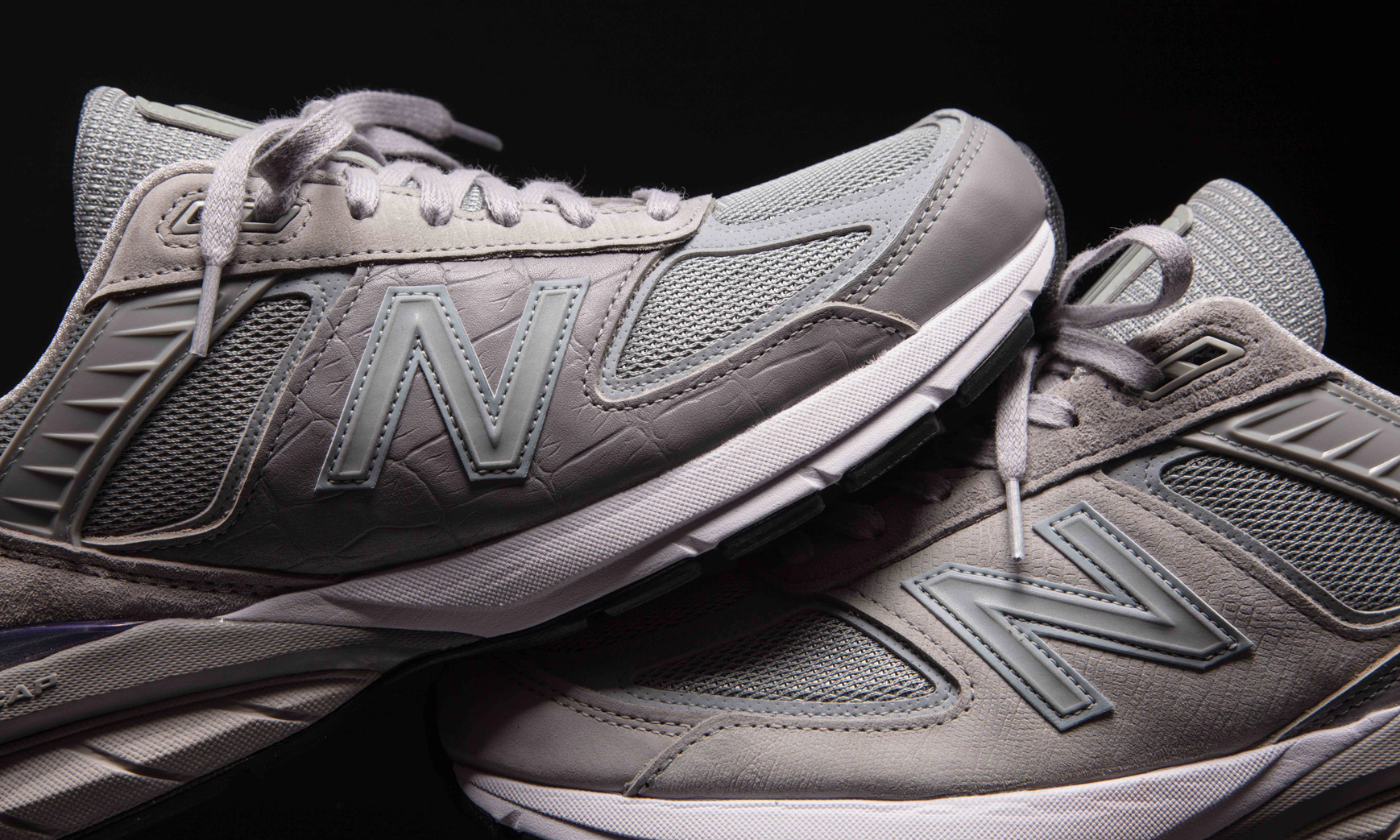 致敬工匠精神,Engineered Garments x New Balance 990v5 联名系列即将发售
