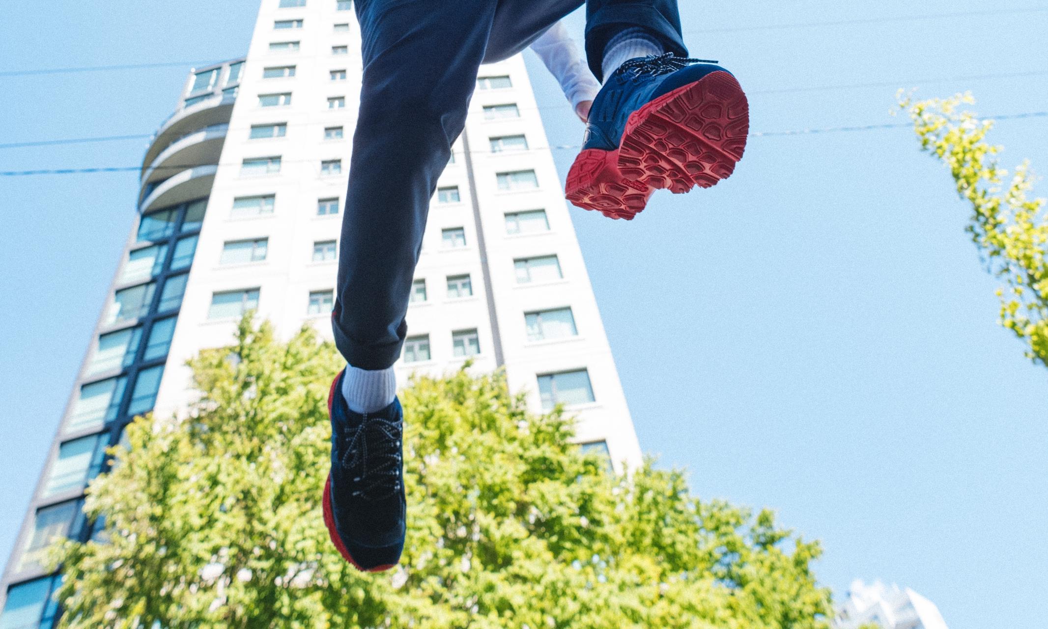 最近,Herschel Supply 翻新了一双越野跑鞋…