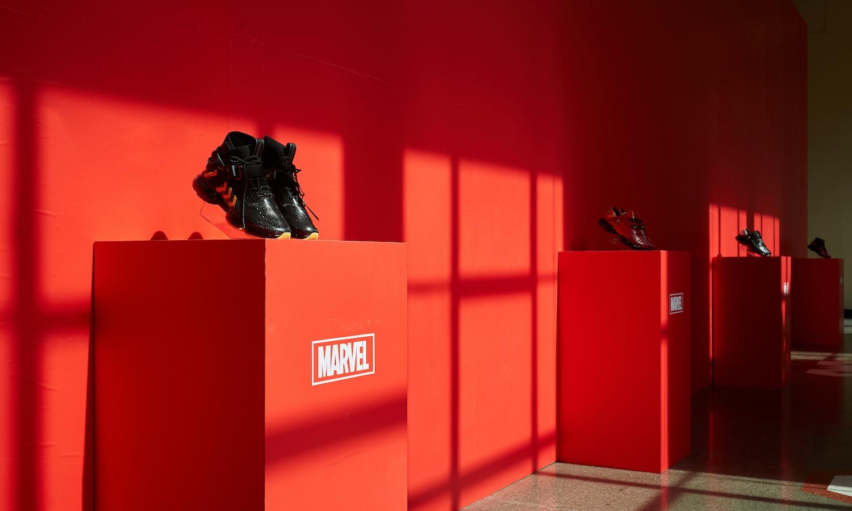 安踏钢铁侠系列鞋亮相「漫威灵感秀」