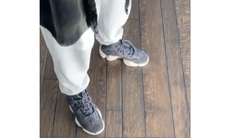 高帮 Yeezy 500 实物曝光,预计 12 月迎来发售