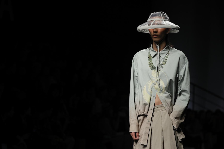 UNROW 于上海时装周发布 2020 年春夏男装系列