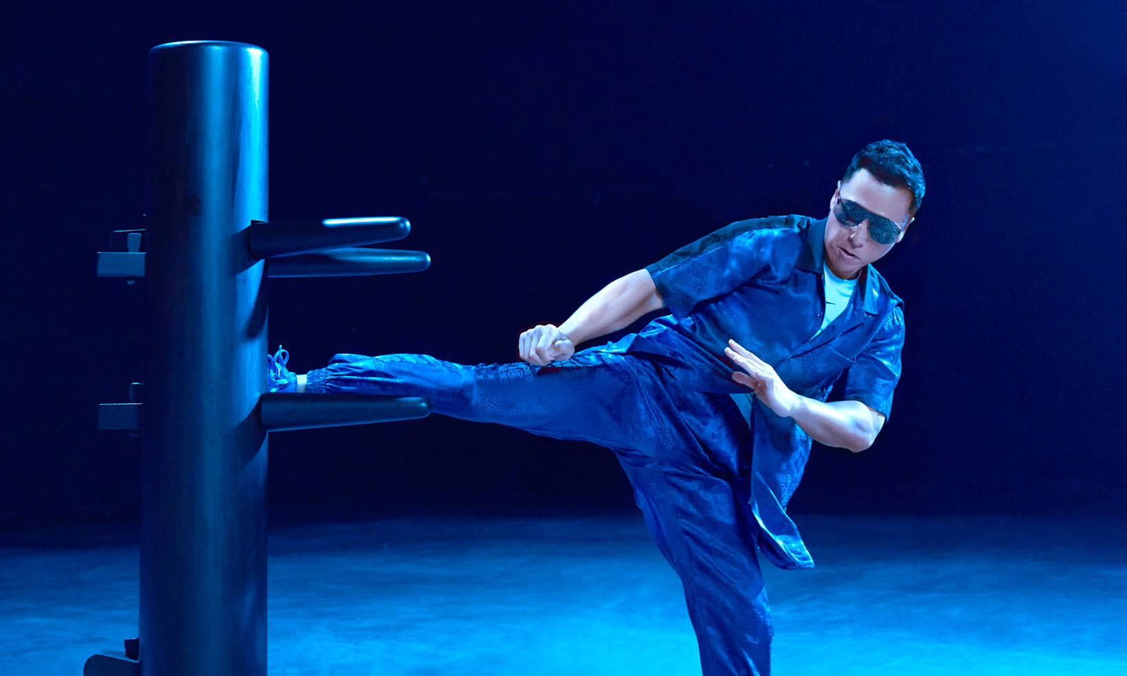 甄子丹演绎 CLOT x Nike 「Royale University Blue Silk」Air Force 1 蓝丝绸