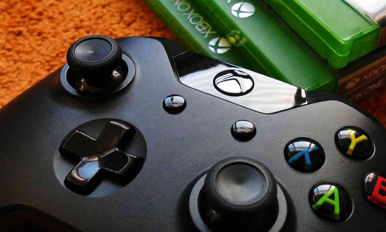 """没有永远的 """"敌人"""" ,Apple 官网上架 Microsoft Xbox 游戏手柄"""