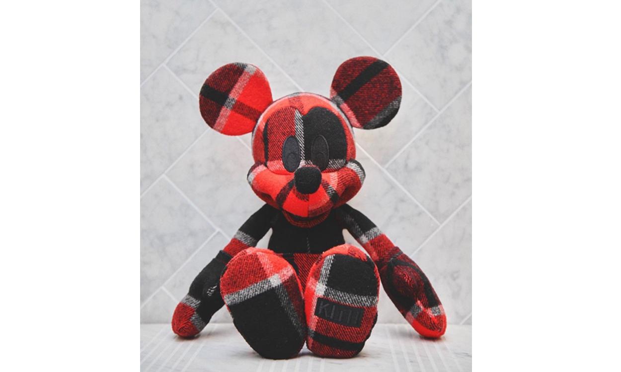 Ronnie Fieg 亲晒 KITH x Disney 联乘玩偶