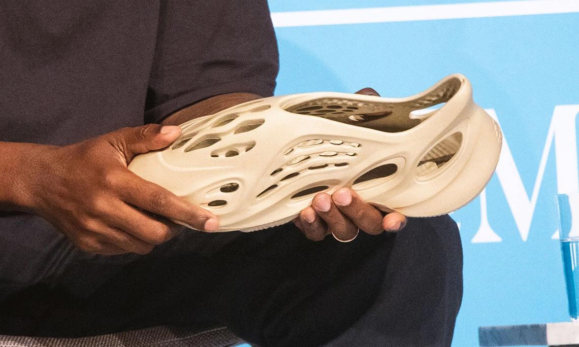 环保材质打造,Kanye West 展示新款 Yeezy 设计