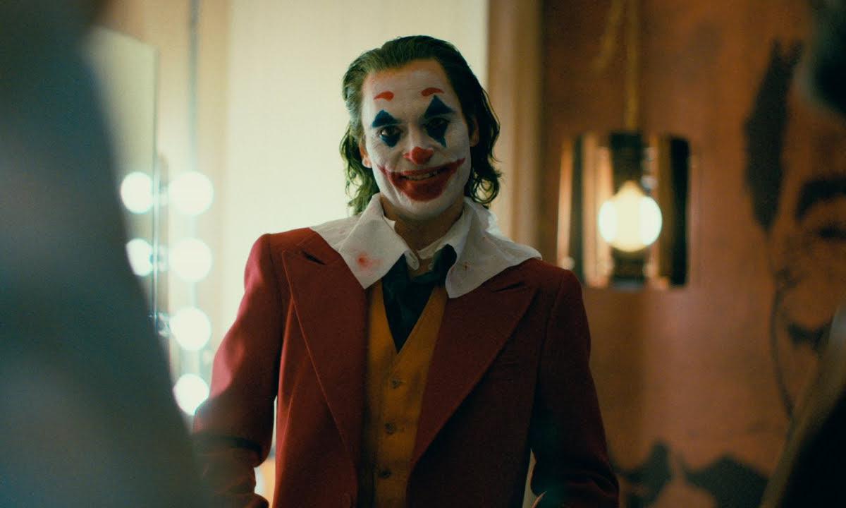 《小丑》成为最赚钱的漫改电影