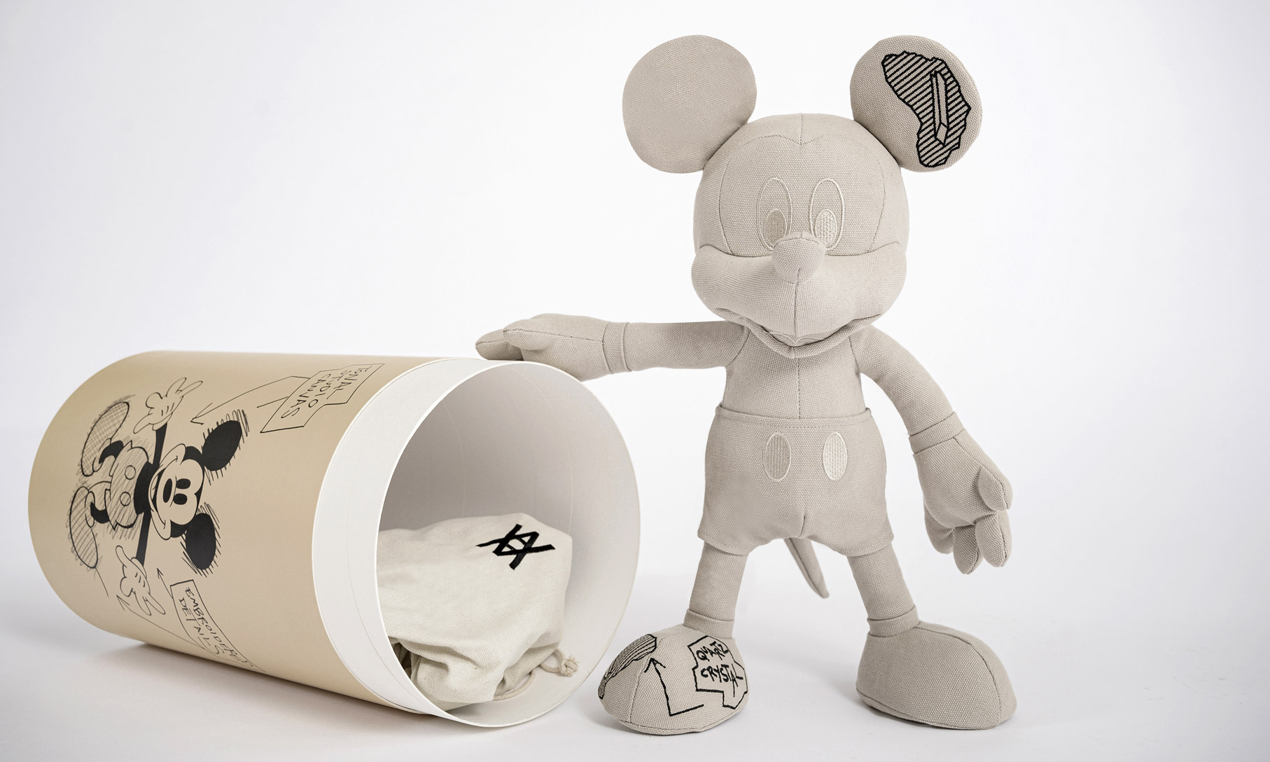 INNERSECT 首发,Disney x Daniel Arsham x APPortfolio 三方联乘系列释出