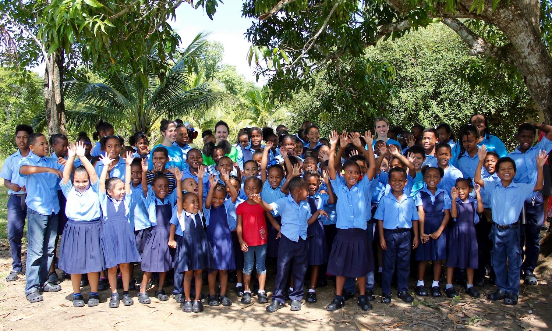 Crocs 向联合国儿童基金会捐赠 5 万双洞洞鞋