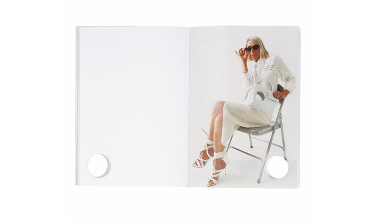 延续「Meteor」设计,Off-White™ Perforated Book 上架官网