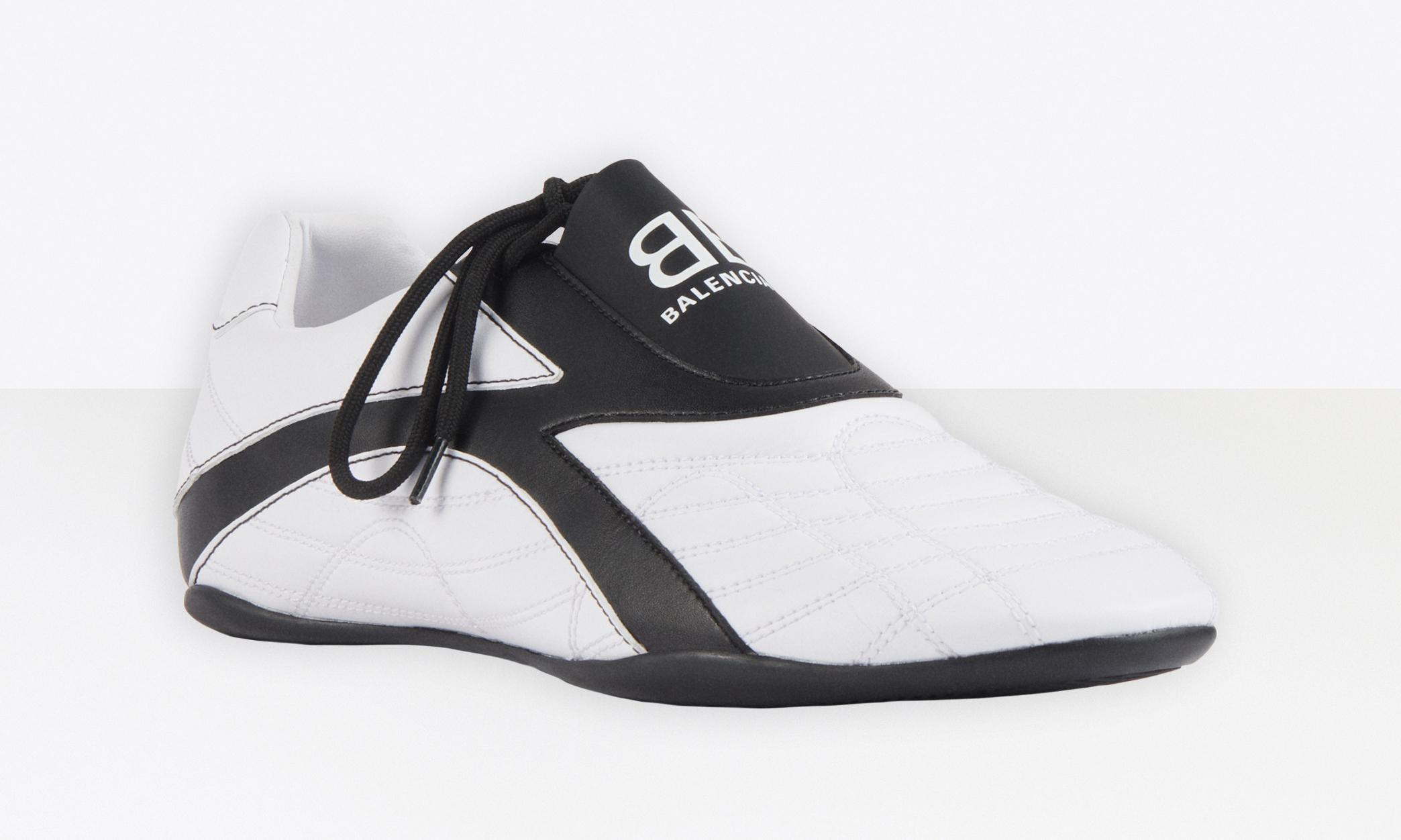敢驾驭否?BALENCIAGA 全新 Zen 运动鞋开售