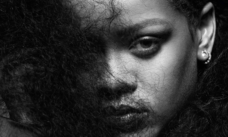 Rihanna 再度联手《i-D》推出「rihannazine」特辑