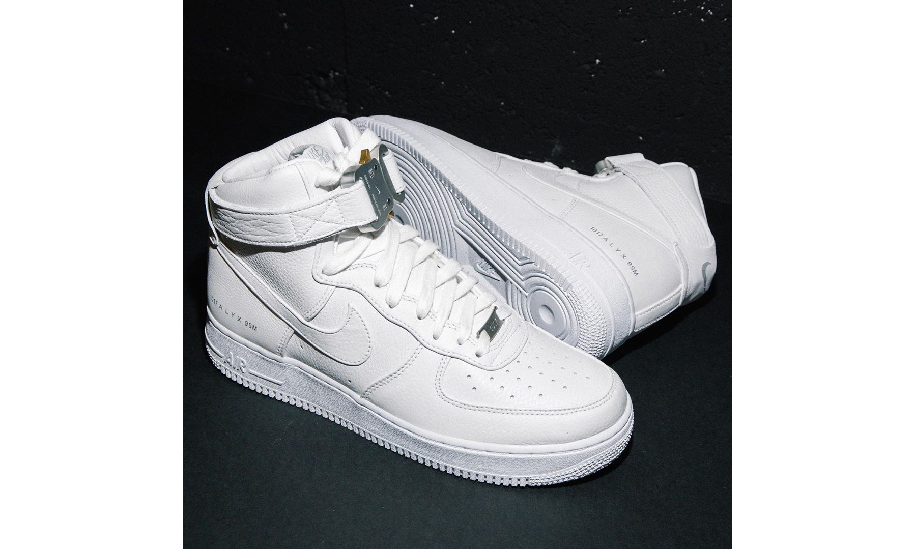 1017 ALYX 9SM x Nike Air Force 1 将于今日限时发售