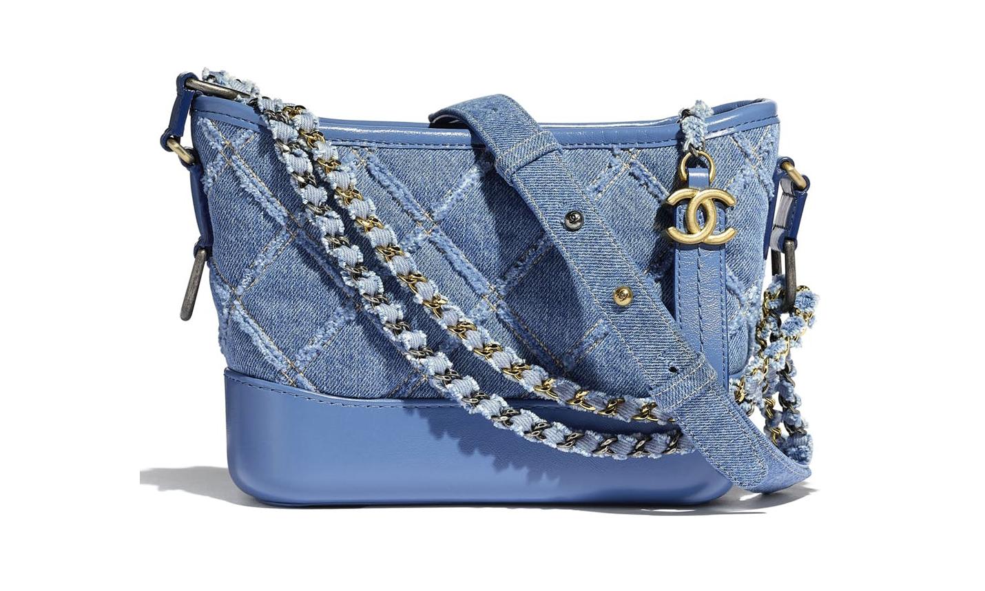 2020 春夏新款,Chanel 推出牛仔布面料的 Gabrielle Hobo 手袋