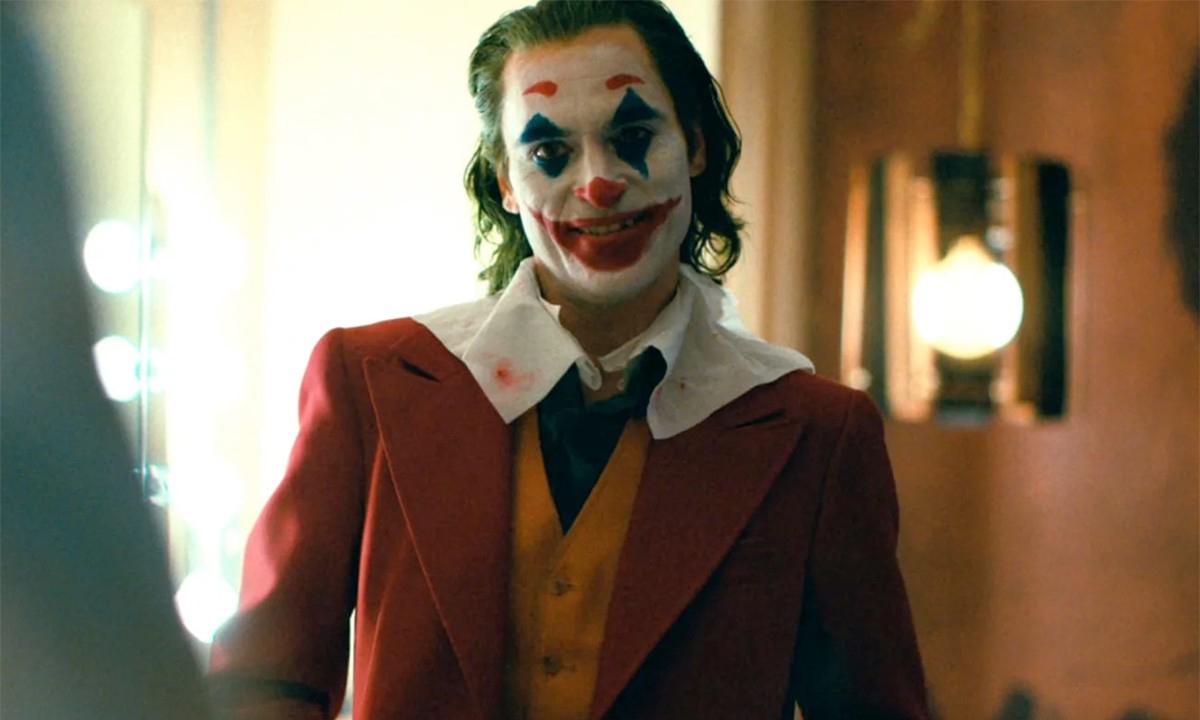 《小丑》第二结局曝光,杀光 Wayne 一家
