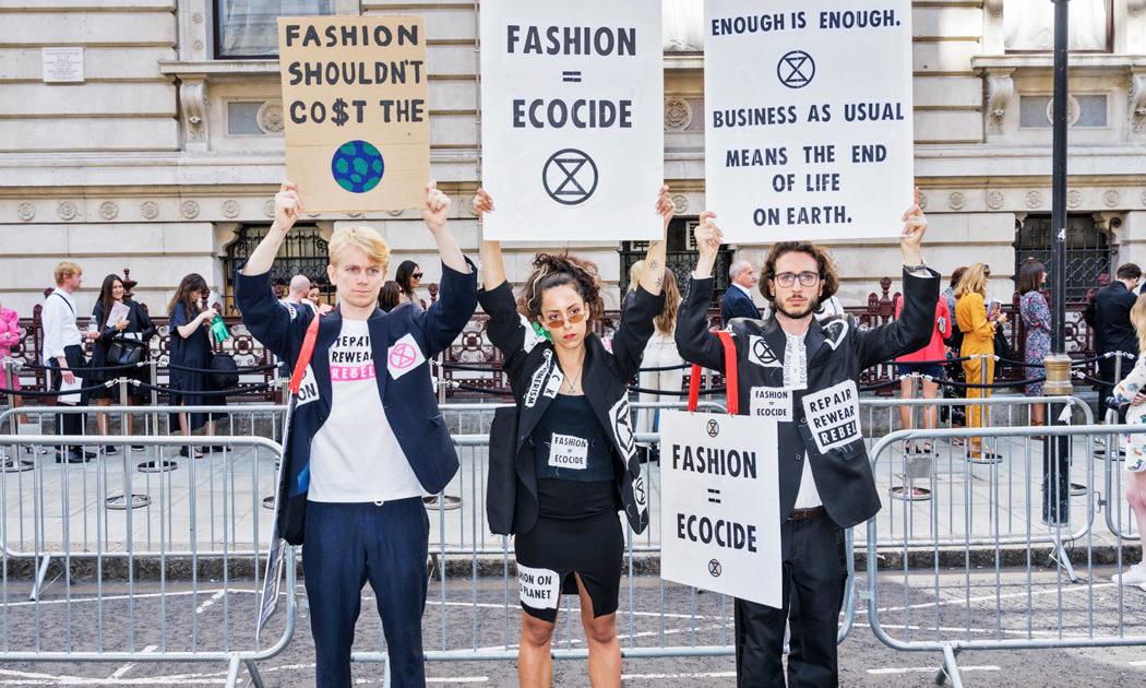 抗议活动不绝,未来时装周走向何方?