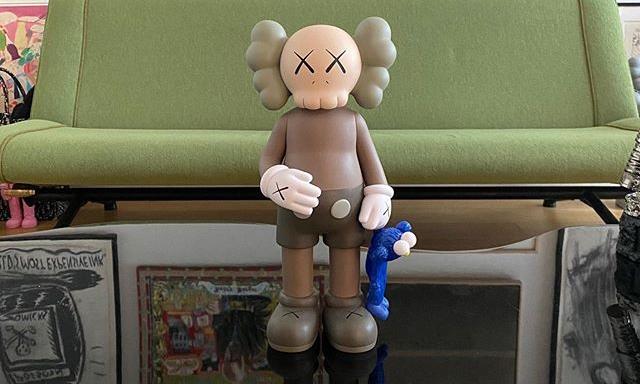 KAWS 展示全新 Companion 玩偶